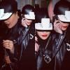 『Rita Ora』が私服で『D.TT.K』のプロテクターキャップを着用