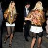 『リタ・オラ x HOUSE OF HOLLAND』ジャガードボンバージャケットを着用