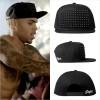 『クリス・ブラウン』が『STAMPD』のスタッズキャップを『Chris Brown Strip ft. Kevin McCall』のミュージックビデオで着用